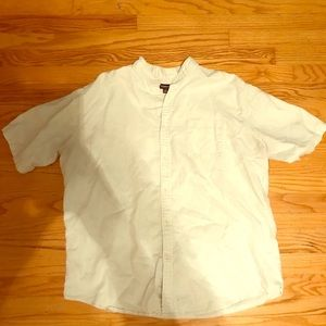 Crofts and Barrow Button Down